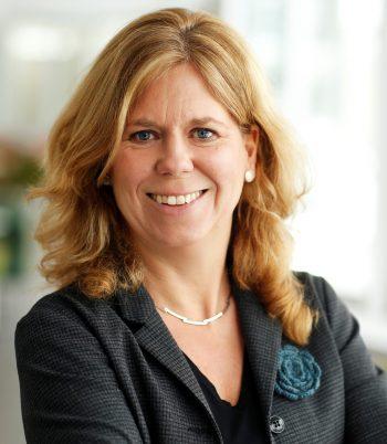 Elisabeth Sasse, Folksam